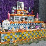 México. Tradiciones. Homenaje y fiesta a los que se fueron